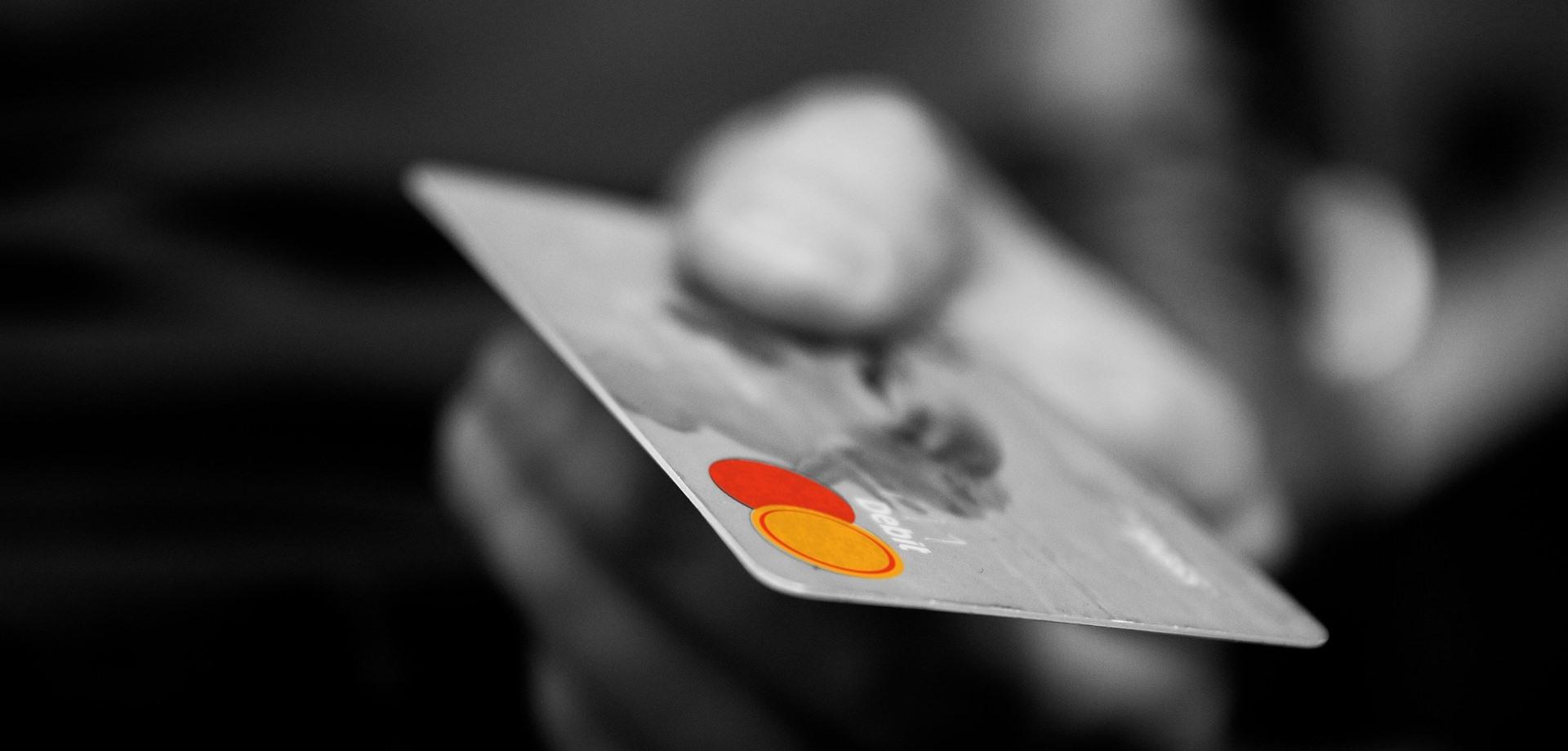 Εξοφλείστε με πιστωτικές κάρτες